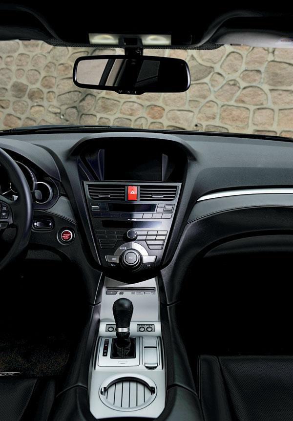 谁更汽车奔腾zdx与英菲尼迪fx35的较量【机油时代网】高调讴歌x802.0图片
