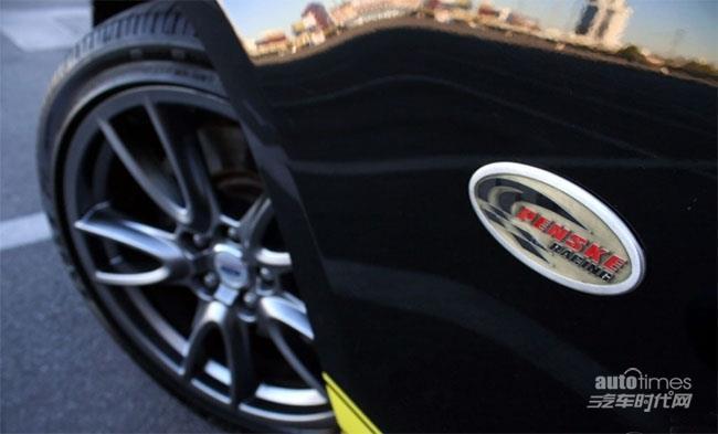 黑黄经典配色 福特野马Penske GT特别版