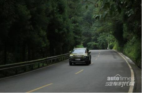 穿越时空致敬英雄 川西试驾北京汽车(BJ)20