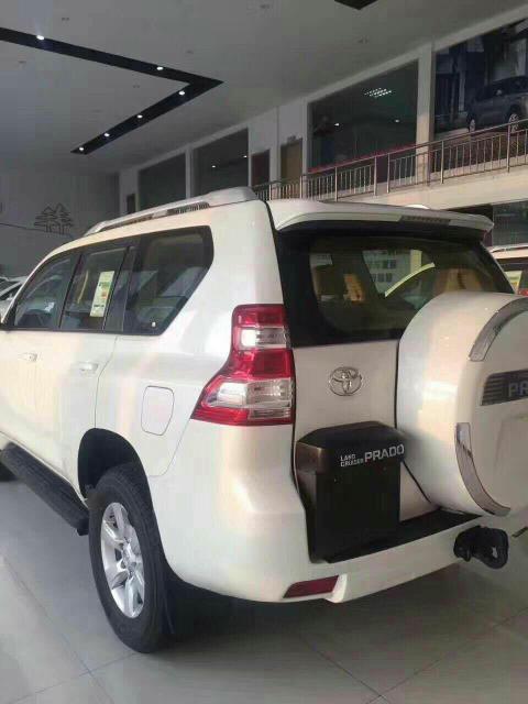 丰田霸道3000中东版柴油标配了无钥匙启动