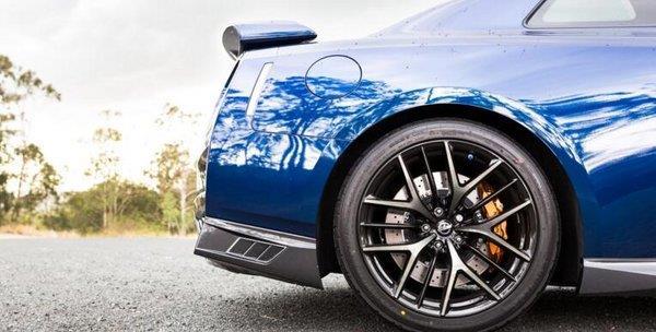 17款日产GTR跑车降价 直线加速1400马力-图7