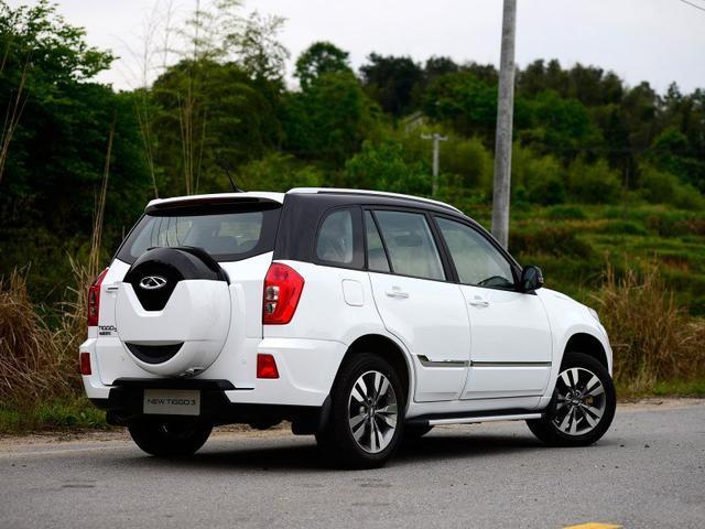 瑞虎3油耗仅需6.7L,全系标配ESP、定速巡航这好车才6万