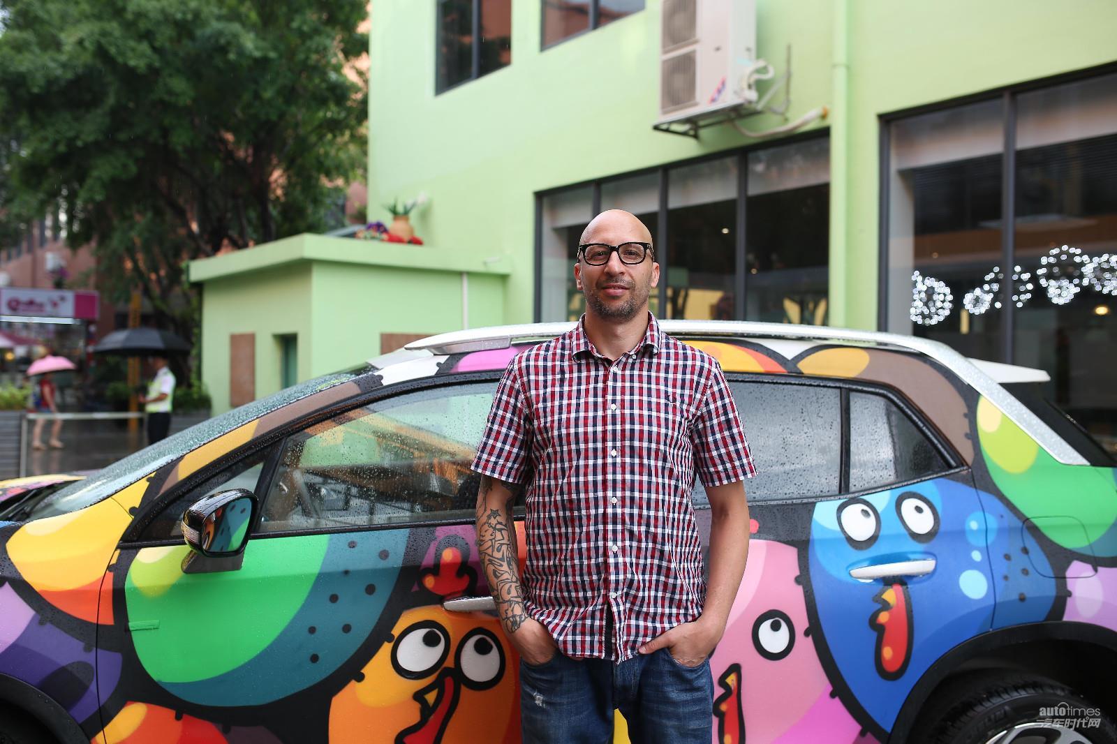DS大玩车身涂鸦  法国艺术家跨界打造另类前卫