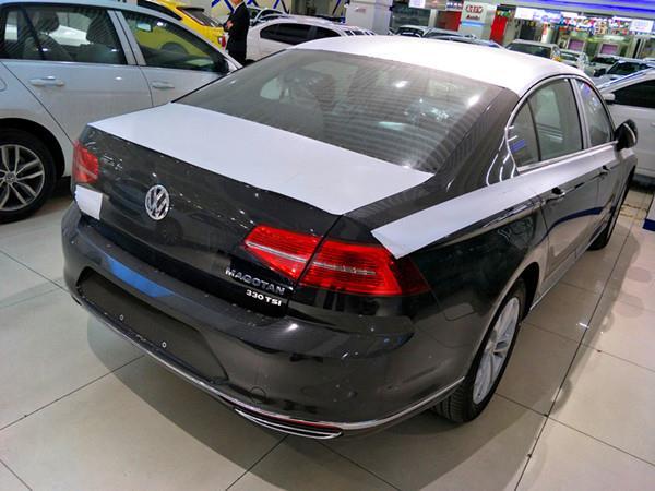 一汽大众全新迈腾b8新车线条比现款要更加紧致,新款迈腾b8发动机盖