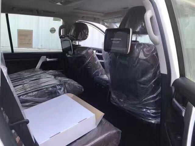 2018款丰田兰德酷路泽5700中东版 巅峰越野特惠价