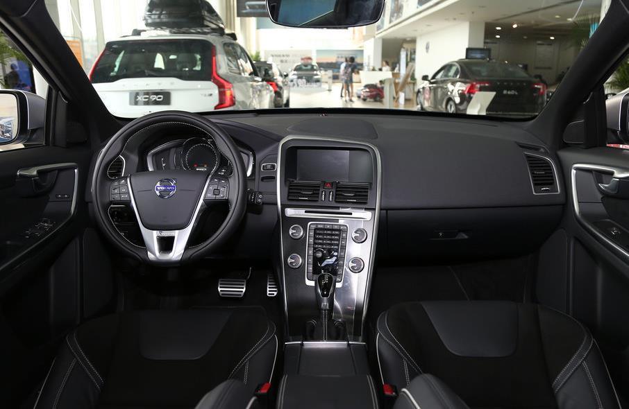 2018款沃尔沃XC60价格新款XC60报价 沃尔沃XC60多少钱 XC60 动力 参数 油耗 配置 及图片