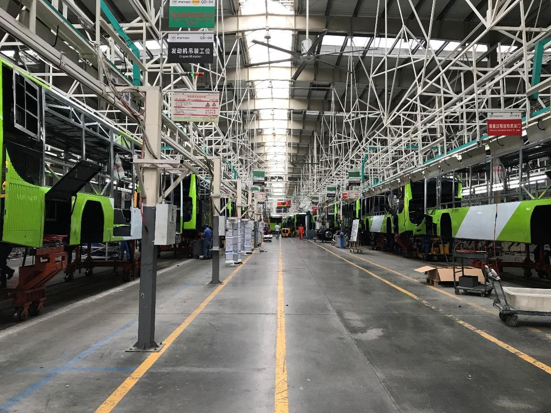 媒体走进欧辉客车广东工厂 探寻福田汽车绿色高品质背后的制造力