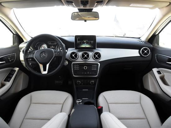 2017款奔驰GLA200触动感型报价及标价好多钱