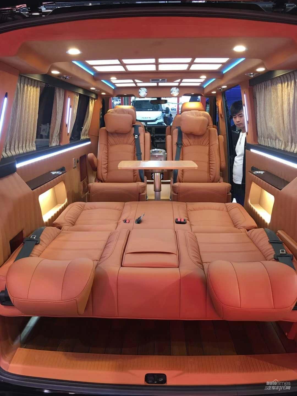 哈尔滨国际车展:长久豪华商务车厂家直售,快来约惠吧!