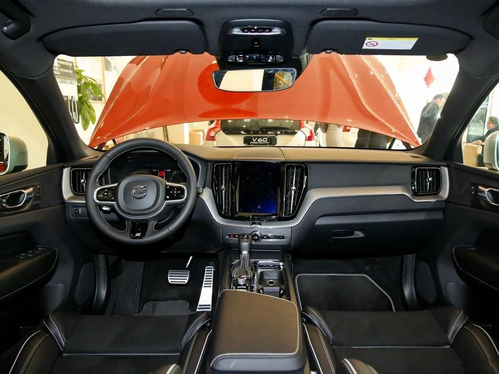 新款沃尔沃XC60多少钱 新款沃尔沃xc60性能配置详情 沃尔沃xc60最新报价 沃尔沃XC602018款沃尔沃XC60最新报价及配置裸车分期最低价格油耗多少2018款沃尔沃XC60购车热线:151-1023-1416或182 1008 0373 于经理