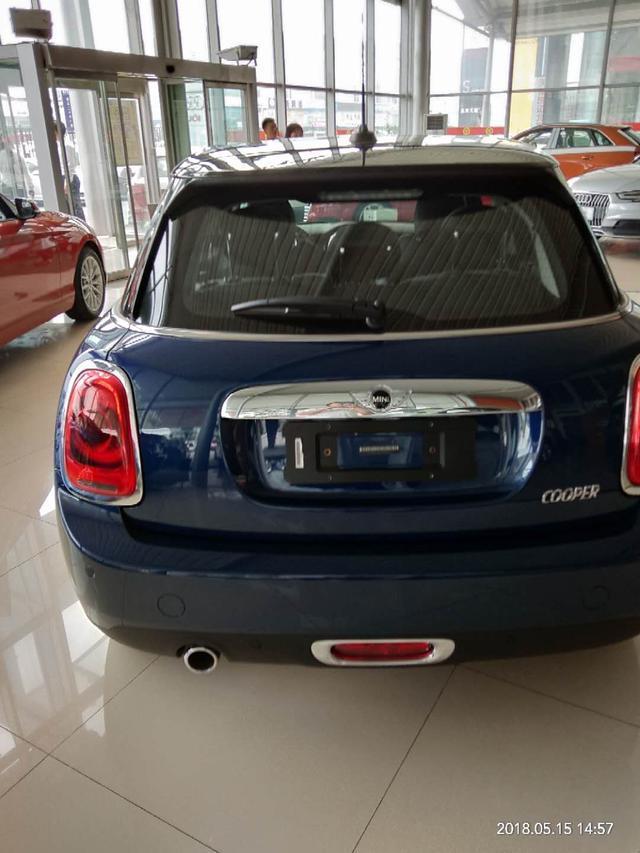 珍马Mini Cooper体即兴派 酷爱她就买进壹款她溺酷爱的车