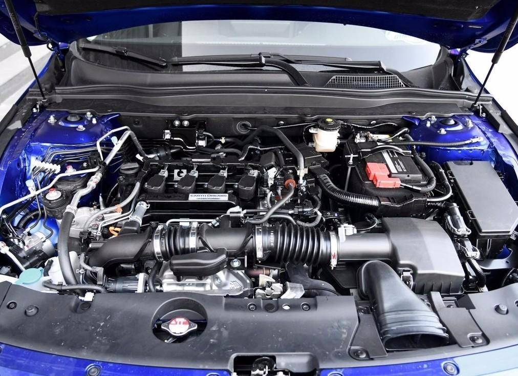 第十代本田雅阁油电混合动力车型最新报价及裸
