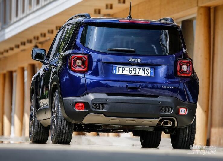外观细节优化 Jeep新款自由侠官图发布