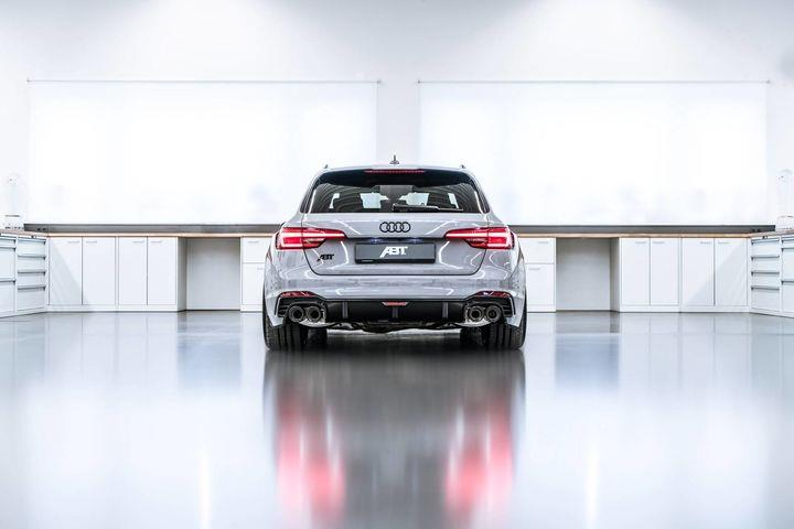 05_ABT_RS4-R_rear.jpg
