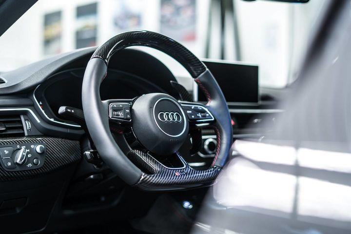 10_ABT_RS4-R_interior.jpg