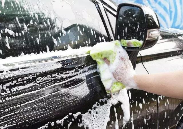 入秋转凉,还忽略这些汽车保养小细节,那你的车就离报废不远了!