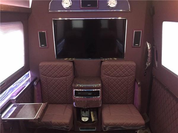 奔馳s600室內紫色氛圍燈