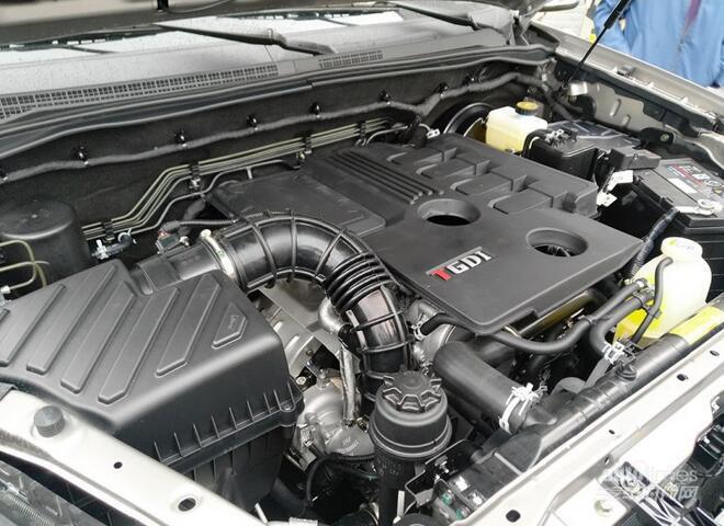 8t柴油发动机,最大功率分别为150马力,218马力和177马力,峰值扭矩分别