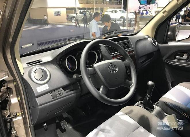 实用的工具车 睿行M60重庆车展首发