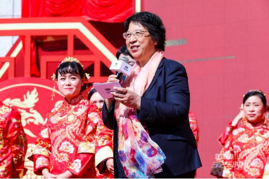 吉利创业32周年庆暨新远景SUV集体婚礼杭州总部举办