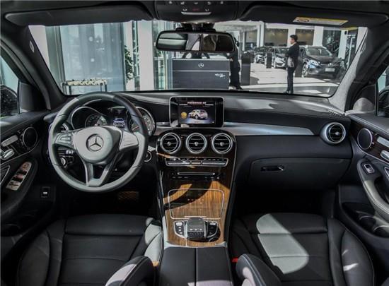 加长版奔驰GLC300L现车销售 价格优惠 售价劲爆