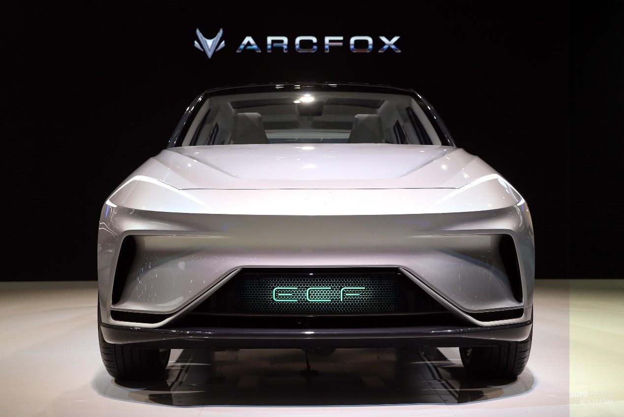 ARCFOX三款�型全球首�l,�_�⒁��I新能源汽�2.0�r代征程