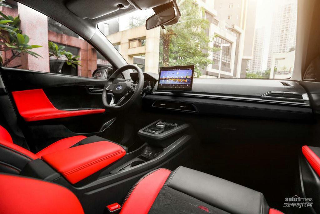 8.98万元起!新一代智感电动跨界车比亚迪e2上市