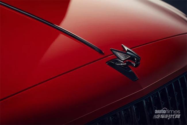 飞驰V8版本国内市场售价公布 售价251.80万