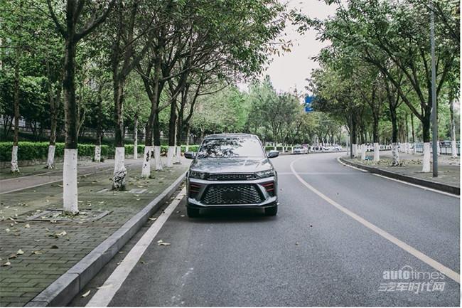 SWM斯威鋼鐵俠將4月30日上市 定位緊湊級SUV【汽車時代網】